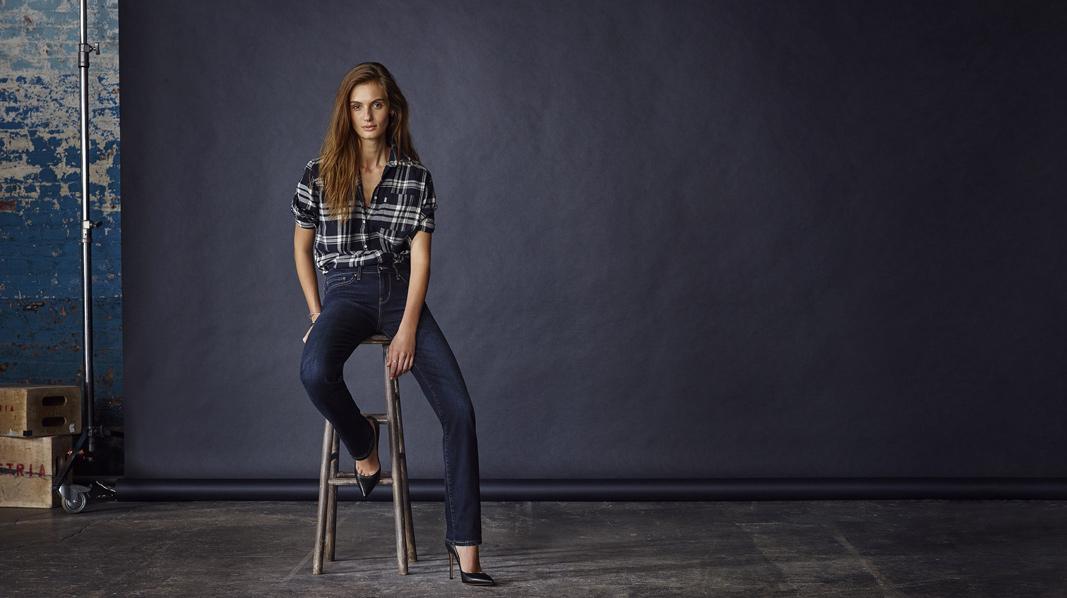 Levi's Jeans - Slider Image 1