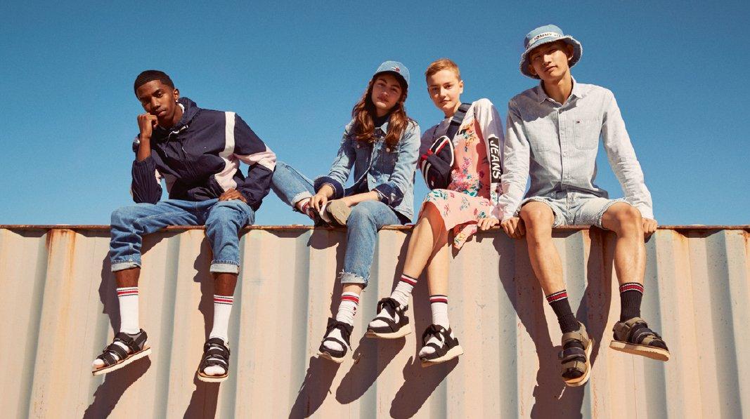 Tommy Jeans - Slider Image 3
